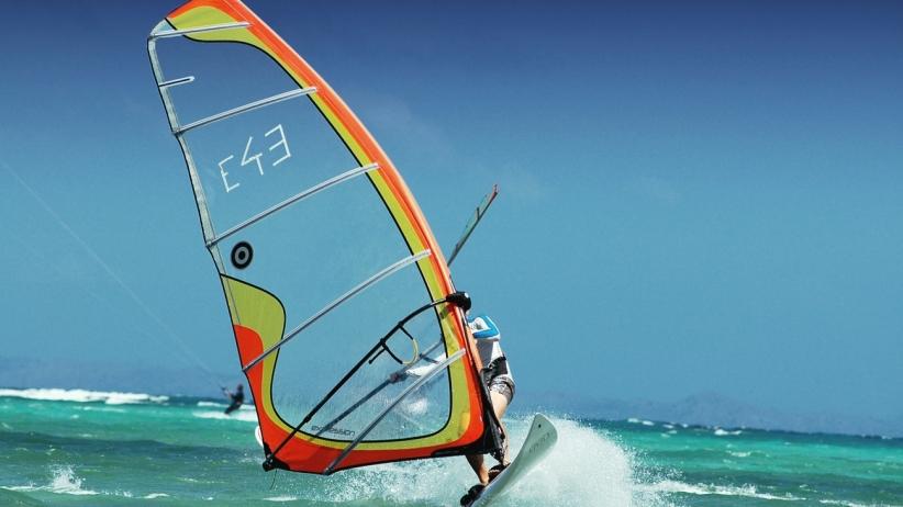 20150320222051-wind-surfing-sports-water-ocean