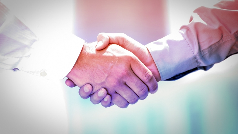 20150422204402-handshake-business-partnership
